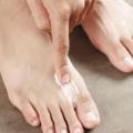 Як використовується перекис водню для лікування грибка нігтя запущеної форми
