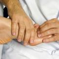 Як лікувати забій пальця на нозі