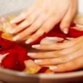 Зміцнення нігтів в домашніх умовах
